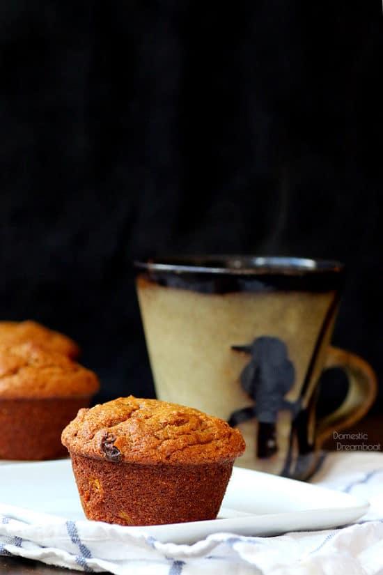 Pumpkin Spice Bran Muffins - Domestic Dreamboat #healthyeating #pumpkinspice